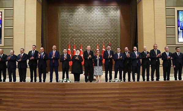 AK Parti kulisi: 15 Kasım'da kabinede revizyona gidilecek, İstanbul İl başkanı Bayram Şenocak değişecek!