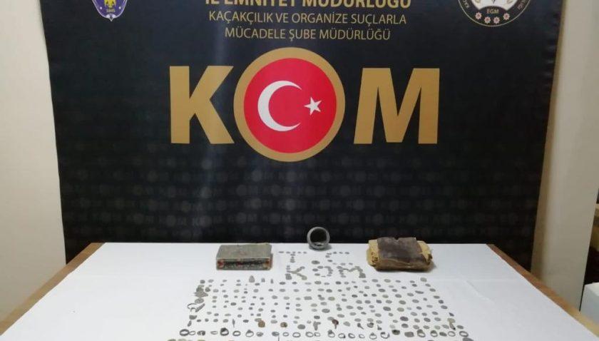 Malatya'da tarihi eser operasyonu! 413 ve obje ve Kur'an-ı Kerim ele geçirildi