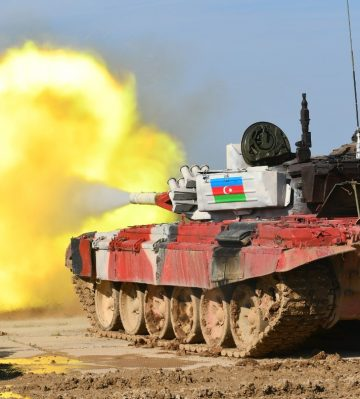 Azerbaycan, Ermeni güçlerinin 2 mühimmat deposunu yerle bir etti