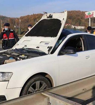 Otoyol'da otomobil yayaya çarptı! 1 ölü, 2 yaralı