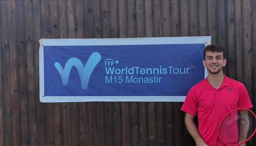Teniste milli başarı