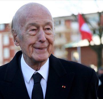 Eski Fransa Cumhurbaşkanı d'Estaing virüse teslim