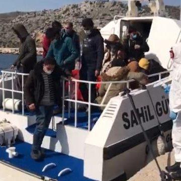 Muğla açıklarında 12 düzensiz göçmen kurtarıldı!