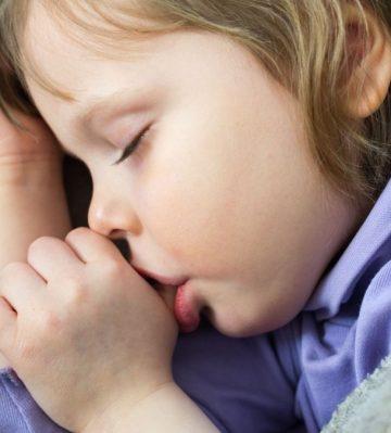 Parmak Emen Çocuklar Peltekleşiyor