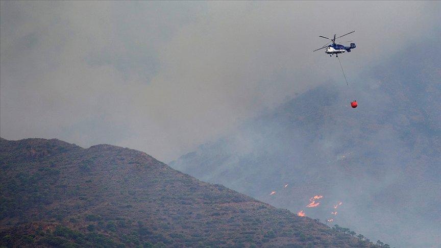 İspanya'nın güneyindeki yangın çalışmaların 7'inci gününde yağan yağmurla kontrol altına alındı