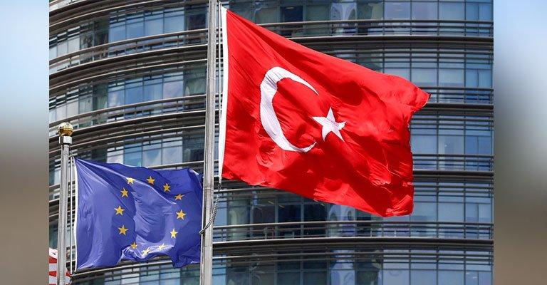 """Economist: """"Avrupa, Müslüman Türkiye'nin AB üyeliğine karşı"""""""